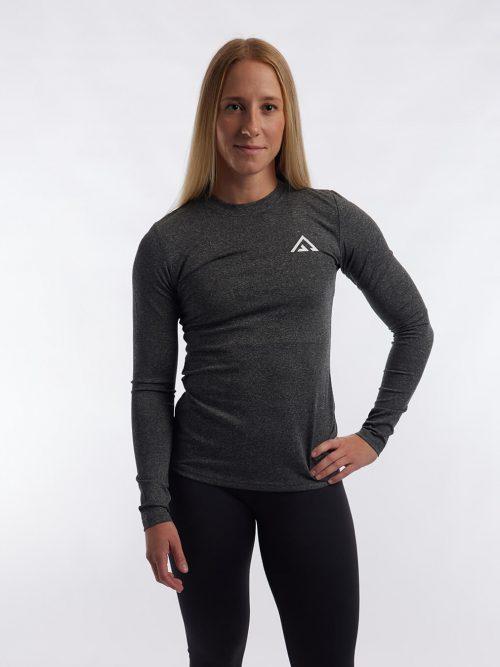 Grå bekväm långärmad träningströja i material som andas. En sweater med logga.
