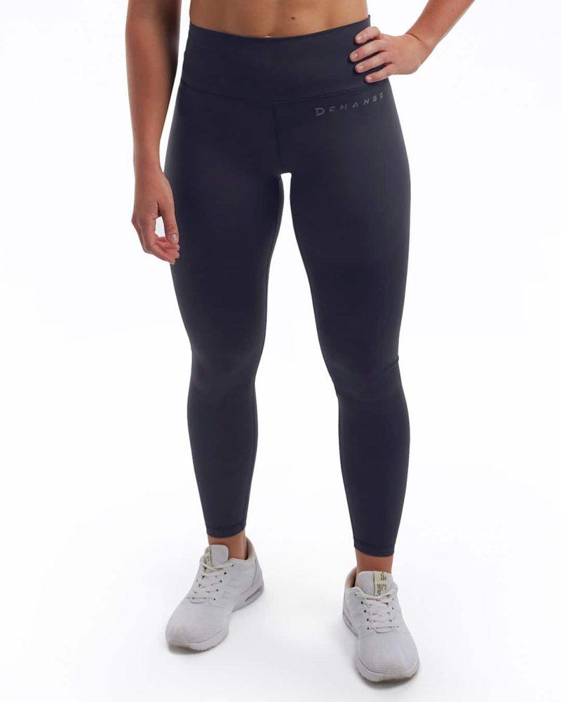 Crossfit kläder som är ekologiska träningskläder. Svarta träningstights dam.